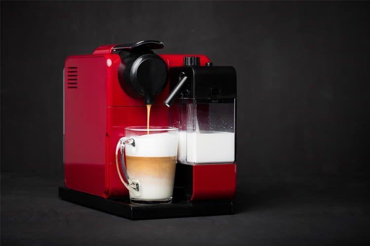 Stiftung Warentest hat beliebte Mittelklasse-Kaffeevollautomaten intensiv geprüft