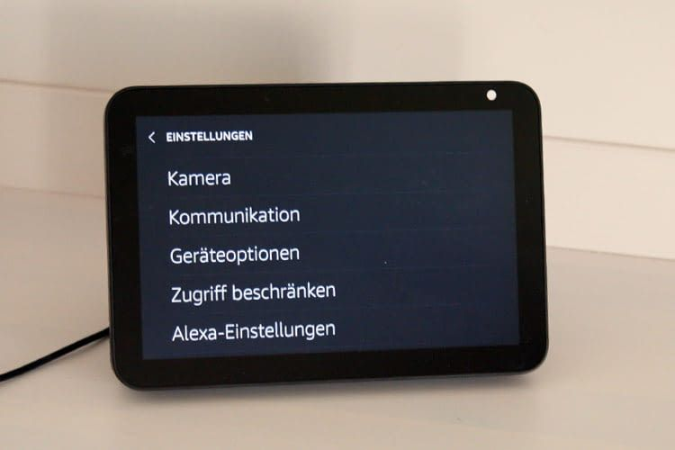 Echo Show Geräte bieten die Möglichkeit Einstellungen per Touchscreen vorzunehmen