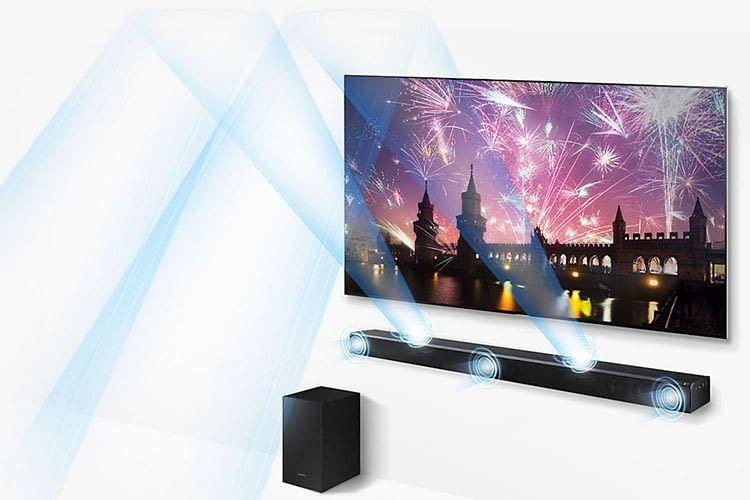 Die Samsung Soundbar HW-K850 spielt den Sound über die Wände zum Zuschauer