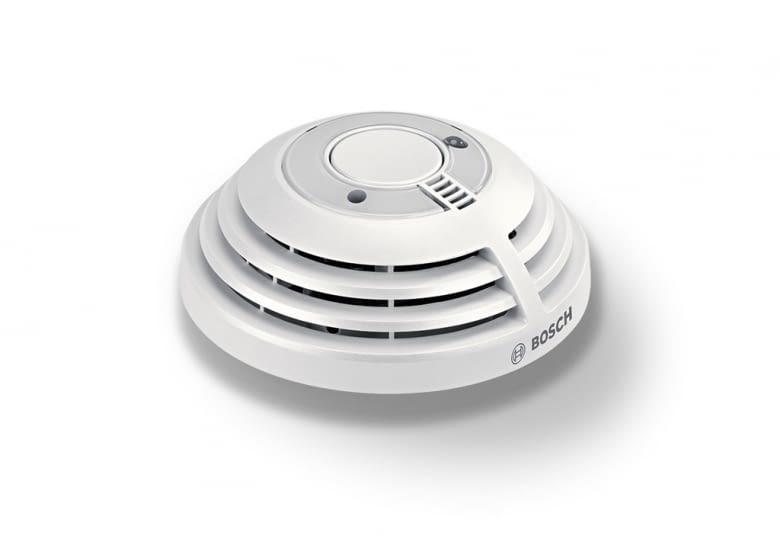 Bosch Smart Home Feuermelder erkennt und meldet den Brand - auch aufs Smartphone