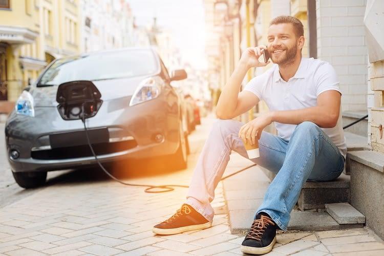 Wer einmal mit einem Elektroauto gefahren ist, weint dem Spritschlucker keine Träne nach
