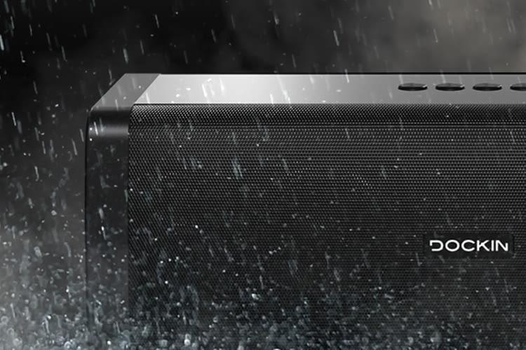 Auch Wasser und Staub beeinträchtigen die Leistung des Bluetooth-Speakers nicht