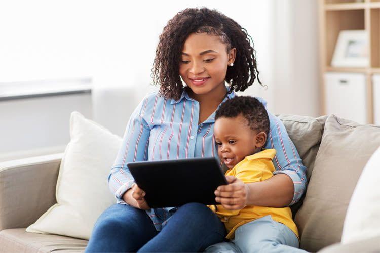 Je kleiner das Kind, desto genauer sollte seine Mediennutzung überwacht werden