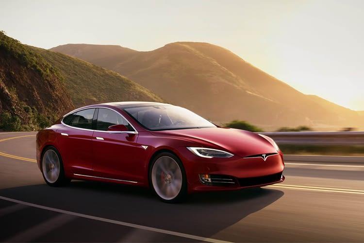 Tesla beweist mit Model S bereits, dass E-Autos sowohl Style als auch Reichweite haben