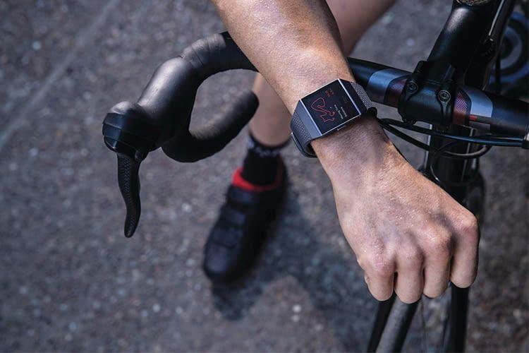 Dank integriertem GPS-Modul misst dieser Fitbit-Tracker auch ohne Smartphone sehr genau