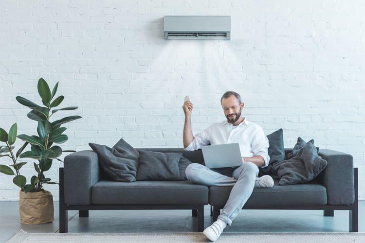 Viele Split Klimageräte verfügen über Fernbedienung oder Apps zur bequemen Steuerung