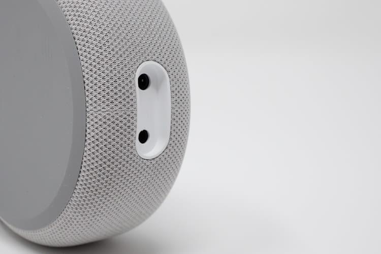 Dem Amazon Echo Dot 3 wurden neue Anschlüsse verpasst