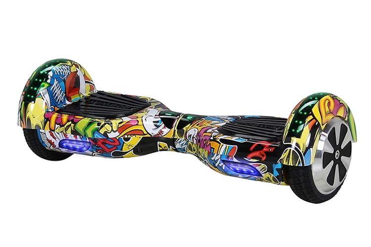 Das Hoverboard ROBWAY W1 fällt nicht nur mit sehr guten Leistungswerten auf