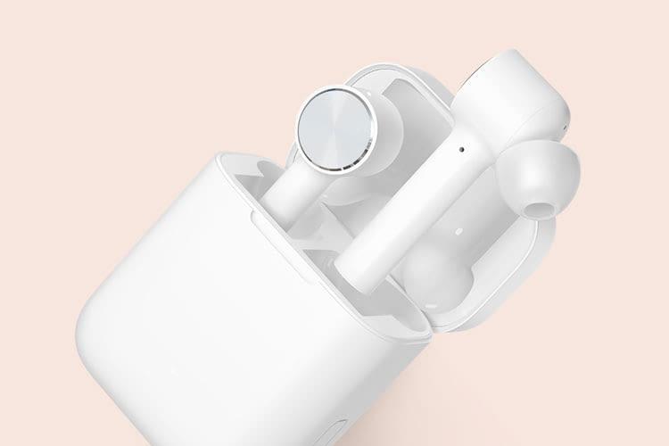 Für die erstmalige Kopplung via Bluetooth müssen die Xiaomi AirDots Pro in der Ladebox verbleiben