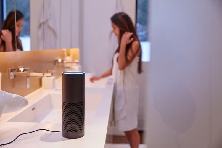Vor allem im Bad möchte niemand gerne von Alexa ausspioniert werden
