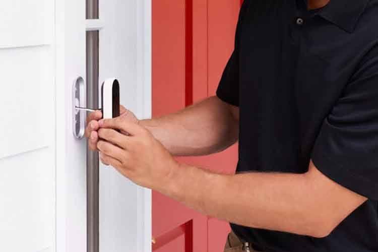 Die Installation und Verkabelung von Google Nest Doorbell (Kabel) sollte von einer Elektrofachkraft vorgenommen werden