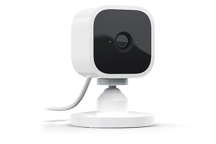 Klein und technisch gut ausgestattet - die Blink Mini Sicherheitskamera für Innenräume