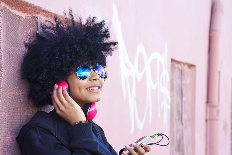 Siri spielt auf Wunsch Songs des eigenen Lieblingsmusikers nach dem Zufallsprinzip ab