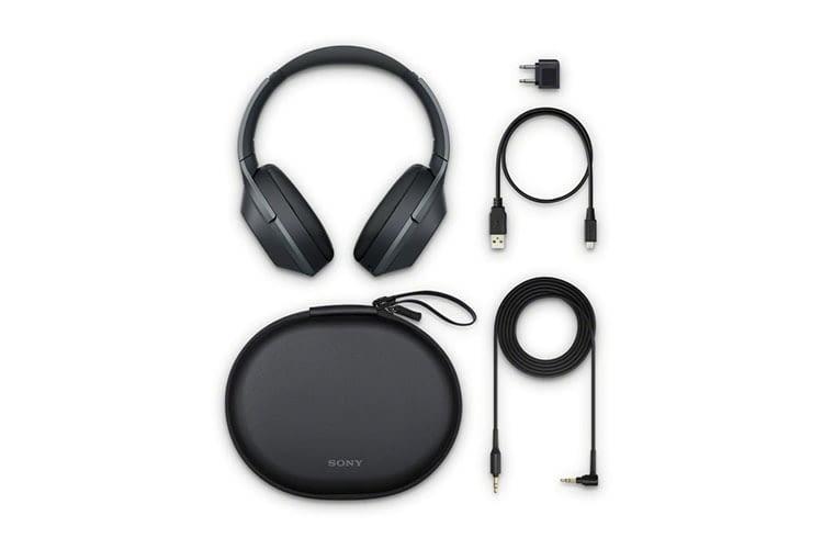 Kommt mit kompletten Zubehör und Flugzeugstecker-Adapter: Sony WH-1000XM2