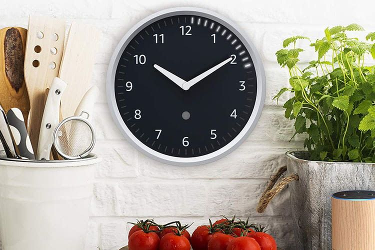 Die leuchtenden Timer-LEDs der Echo Wall Clock zeigen an, wie weit der Timer schon fortgeschritten ist
