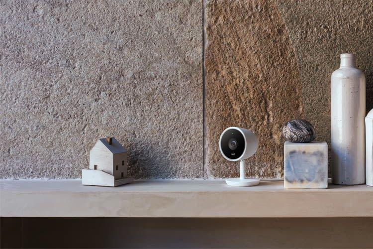 Klein, kleiner, Nest. Die Nest IQ Überwachungskamera zeichnet unauffällig auf