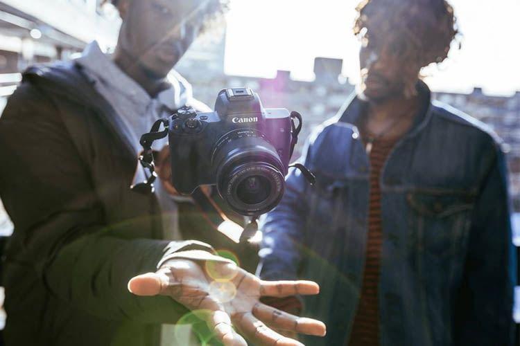 Canon EOS M50 ist eine angenehm leichte Systemkamera