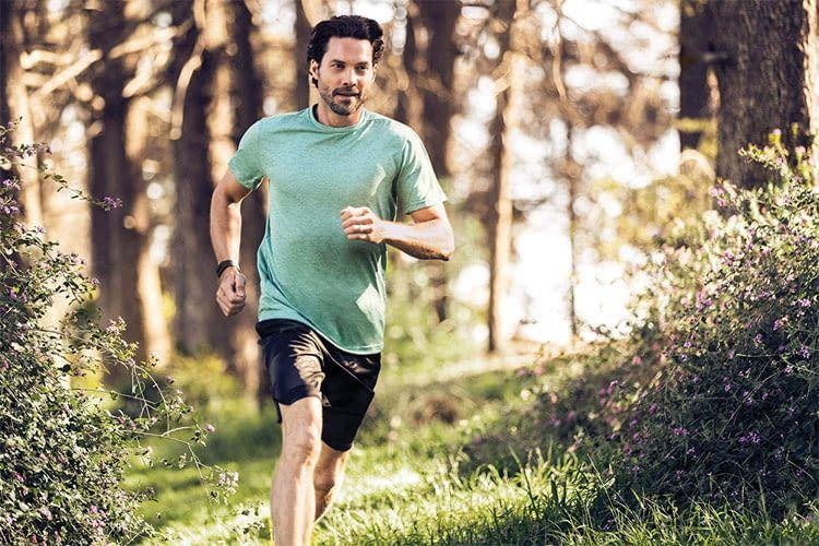 Fitbit Charge 3 Armbänder gibt es in drei Farbvarianten passend zu jedem Sport-Outfit