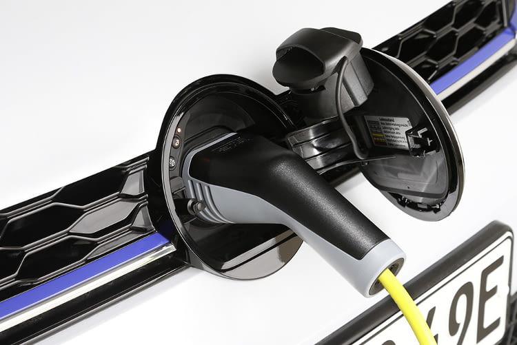 Das Elektroauto Golf GTE ist ein Plug-in-Hybrid mit rein elektrischer Reichweite von etwa 30 Kilometern