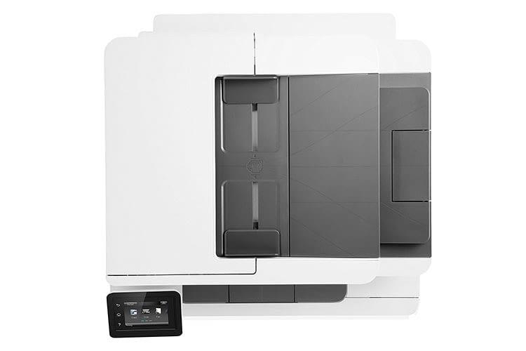 Der HP Color LaserJet Pro-MFP M281fdw ersetzt auch gleich noch ein Faxgerät und einen Kopierer