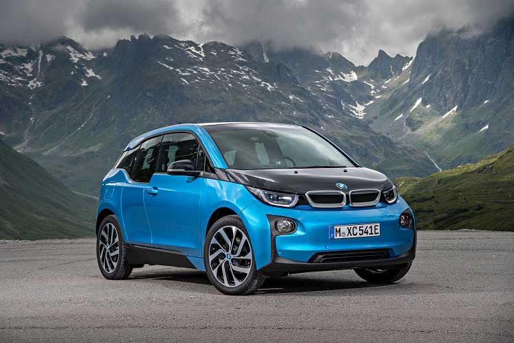 Der BMW i3 kann durch viele Vorteile im E-Auto-Vergleich punkten
