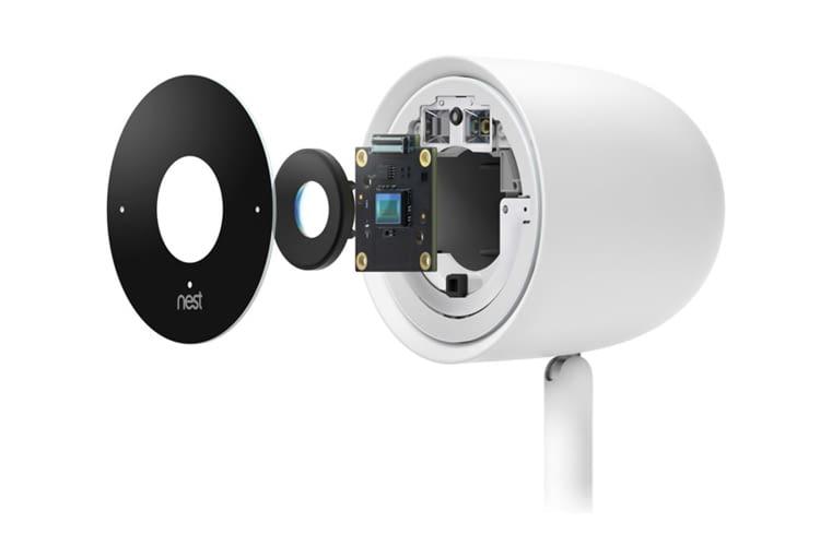 Die Nest Cam IQ Indoor Überwachungskamera zoomt mit 4K-Sensorik