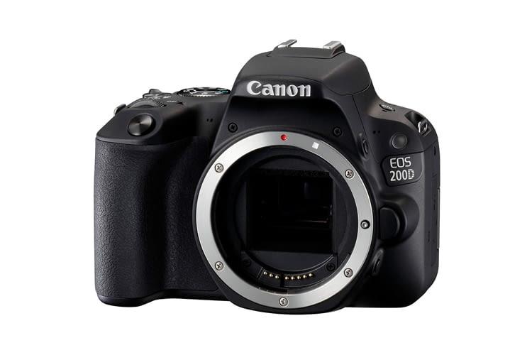 Canon EOS 200D begeisterte Tester u. a. wegen ihrer handlichen Größe