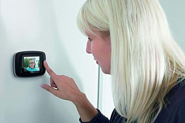 ABUS Digitaler Türspion DTS3214 eignet sich dank großem Display besonders gut für Brillenträger,  Senioren oder Kinder