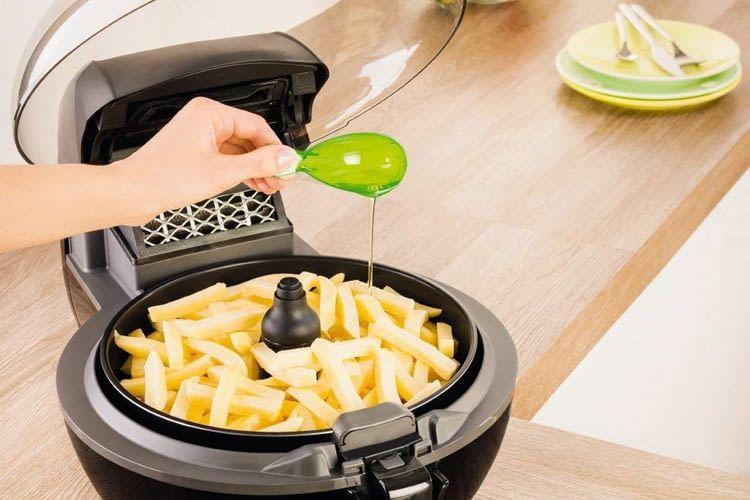 Ein Löffel Fett genügt für die Pommes Zubereitung