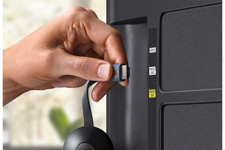 Chromecast per HDMI an den Fernseher anschließen und über App oder Desktop installieren