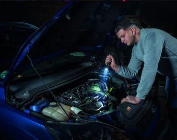 Die ABUS Taschenlampen bieten dank einem großen Lichtkegel trotz Dunkelheit eine sehr gute Sicht
