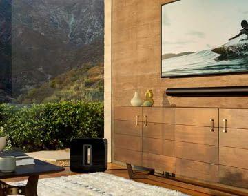Die Sonos Arc Soundbar macht an der Wand nicht nur klanglich einen guten Eindruck