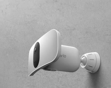 Arlo Pro 3 Floodlight ist Kamera, Sirene und Flutlicht in einem
