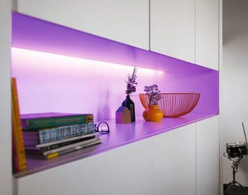 Philips Hue Lighstrips erzeugen angenehme, indirekte Beleuchtung
