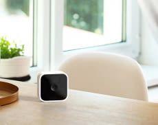 Die Blink Indoor Kamera beherrscht Live-Video- und Zwei-Wege-Audio Übertragung