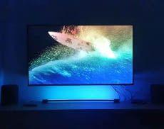 Wirft passende Farben zum TV-Bild an die Wand: Philips Hue Play Gradient Light Tube im Test