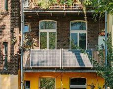 Das Yuma Balcony 580 Balkonkraftwerk zeichnet sich durch ultraleichte Solarmodule aus