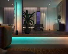 Mit dem Philips Hue Ambiance Gradient Lightstrip sorgen Nutzer für ein ganz besonders Licht-Ambiente