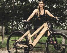 Die E-Bikes von My Esel bestehen aus einem CNC gefrästen Rahmen aus Holz