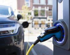 Elektrofahrzeuge und Ladesäulen sind im Alltag noch recht selten anzutreffen