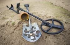 Mit einem Metallsuchgerät lassen sich z.B. alte Münzen finden