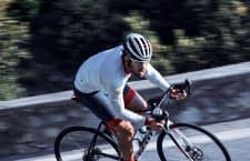 Ein Fahrradhelm kann bei Stürzen Leben retten - wir geben Tipps, was Radfahrer beim Kauf eines Helms beachten sollten