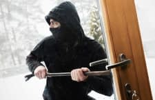 Einbrecher lieben die dunkle Jahreszeit, da die Gefahr einer Entdeckung bei schlechten Lichtverhältnissen geringer ist