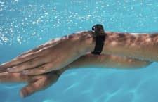 Das Mi Band 4 ist wasserfest und problemlos zum Schwimmen geeignet