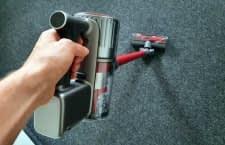 Mit einem Akkustaubsauger geht der Hausputz leicht von der Hand