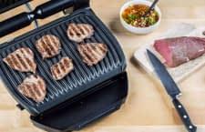 Perfektes Branding gelingt mit den OptiGrills von Tefal kinderleicht. Hier: Steaks auf dem OptiGrill Smart
